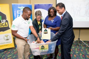 JET - Nuh Dutty Up Jamaica Cleanup Network-71